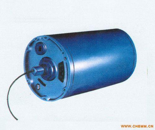电动滚筒有封闭结构的接线盒,因此可随同主机安装杂爱露天或室内工作