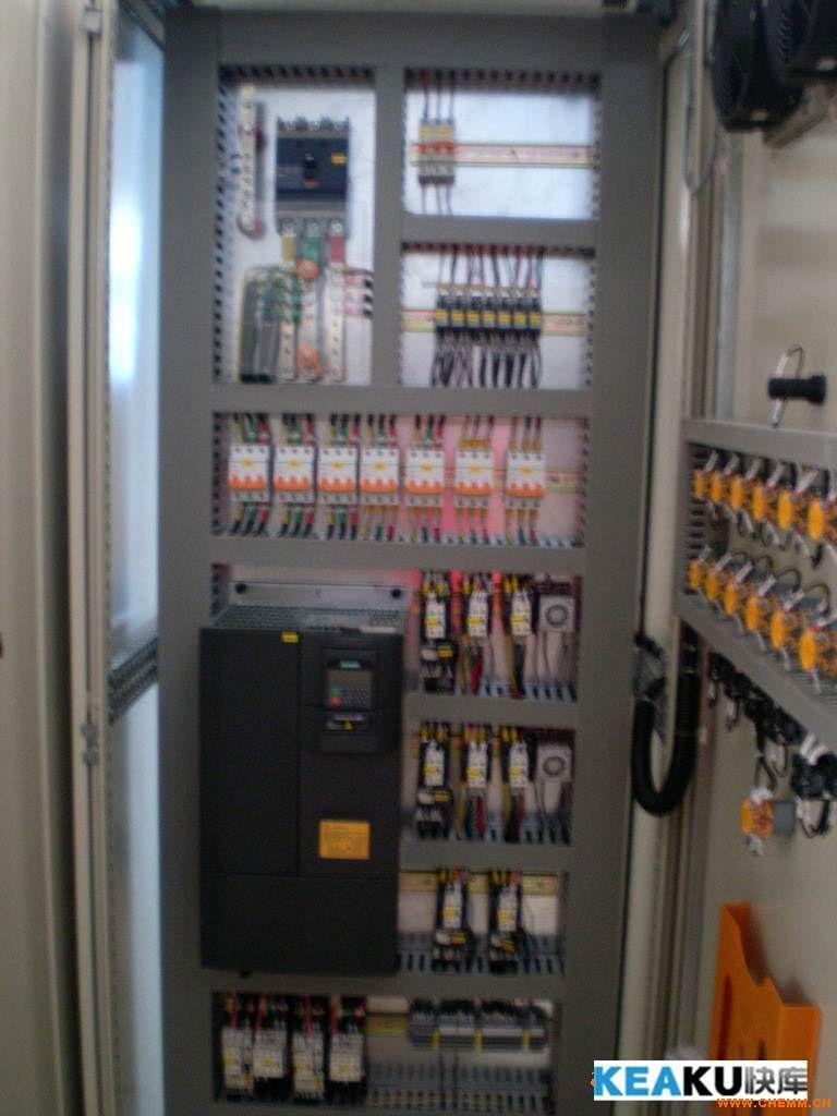 成型设备 成型机  产品名称:变频器控制柜 产品编号:01011 产品商标