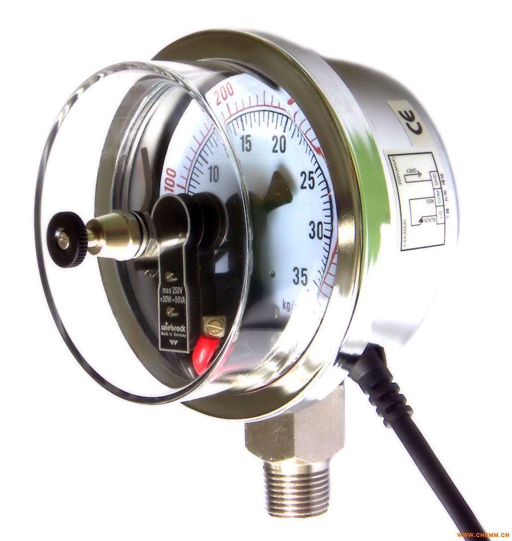 JN电接点压力表广泛应用于石油、化工、冶金、电站等工业部门或机电设备配套中测量无爆炸危险的各种流体介质的压力。通常,仪表经与相应的电气器件(如继电器及接触器等)配套使用,及可对被测(控)压力系统实现自动、控制和发信(报警),的目的。为了适应被测对象的各义要求,本系统仪表在原有普通型和专业型的基础上,有相继研制了抗振型、耐蚀型、耐蚀抗振型及带有隔离装置等种类型共10种型号的产品。 在电接点压力表装置的电接触信号针上,装有可调节的永久磁钢,可以增加接点吸力,加快接触动作,从而使触点接触可靠,消除电弧,能有效的