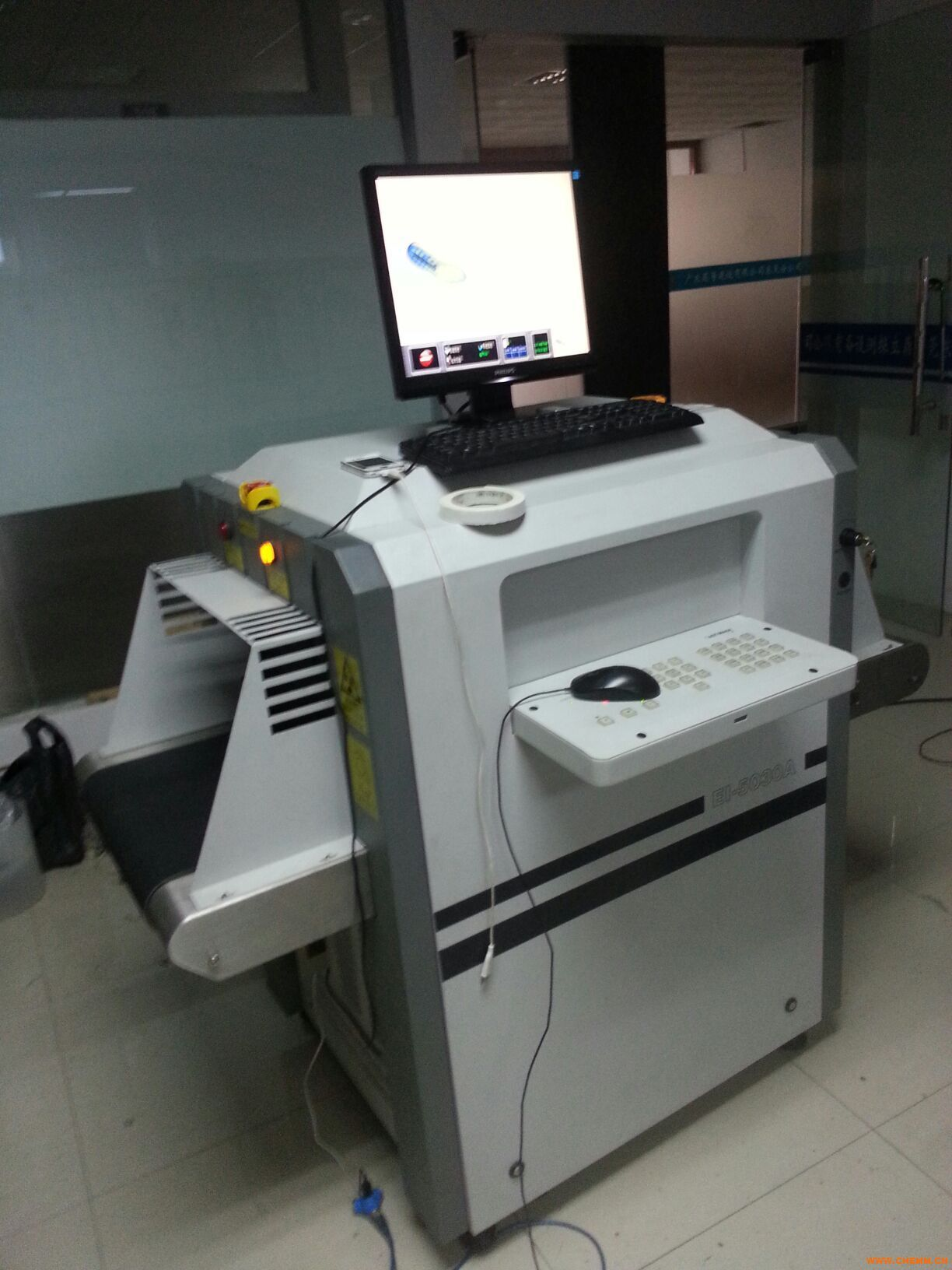 东莞二手X光安检机,二手X光手袋验针机,X光制鞋测针仪图片