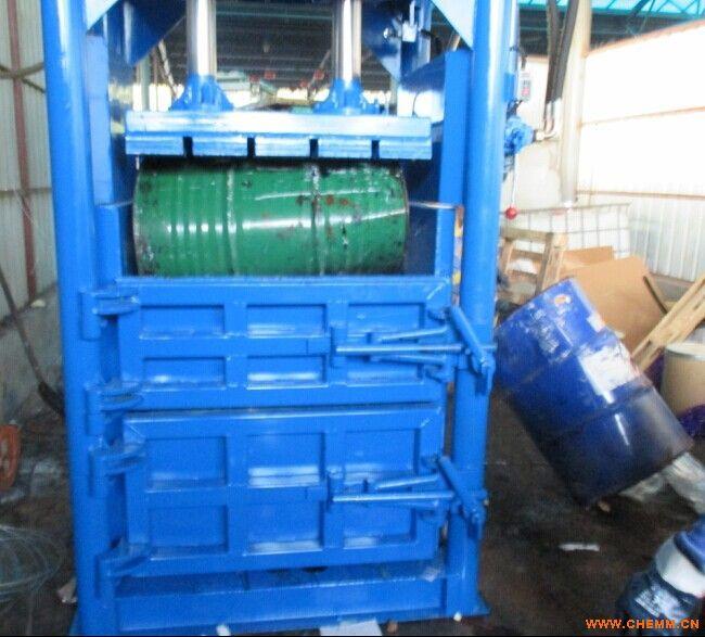 包装设备 直接包装机  产品名称:废油桶打包机,200升废油桶打包机