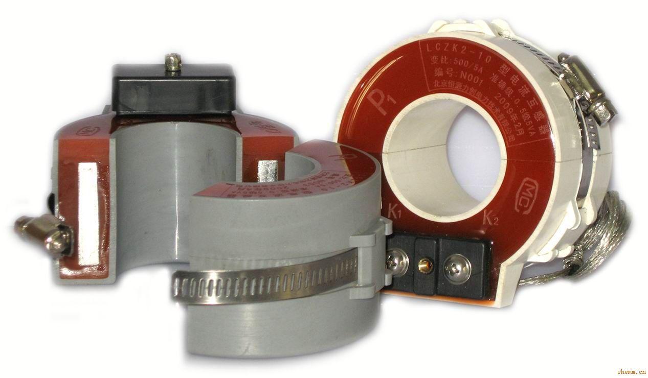 LCZK系列卡式电流互感器适用于交流电力系统35kV和10kV及以下供用电设备的电流测量和微机保护。该电流互感器具有体积小、重量轻、可开启、便于安装等特点,广泛用于紧凑型全绝缘环网开关柜中,安装时直接卡在连接好的进出线电缆上,简便快捷。已在ABB-SafeRing/SafePlus、施耐德RM6/SM6、伊顿SVS、德国GA/GE、法国FB、韩国SS等紧凑型全绝缘环网开关柜中广泛应用,亦用于组合式变电站和电缆分接箱中。