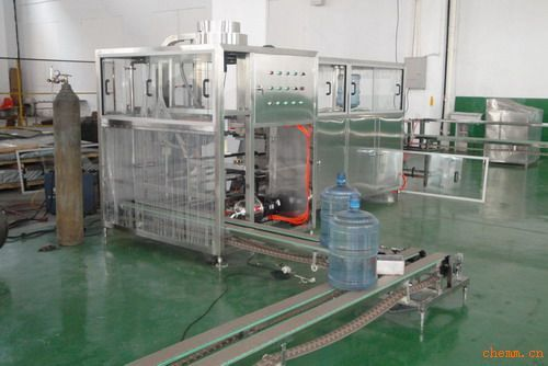 qgf系列桶装纯净水灌装机