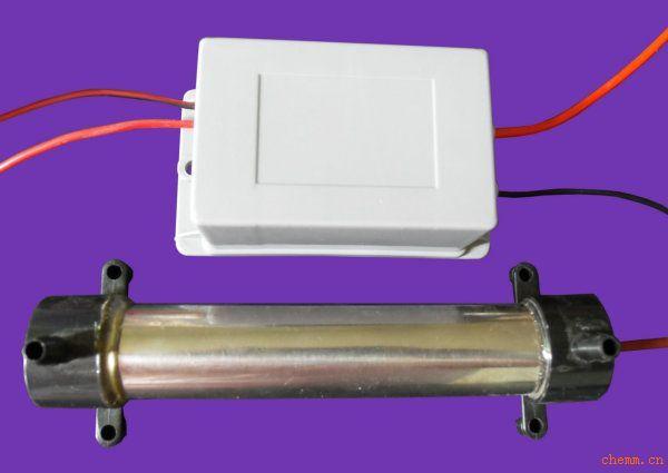 产品型号:TS-1GC,臭氧产量:1克每小时(氧气源) 发生管尺寸: (16.6*6*5.5 管径2.8 )cm 电源尺寸:(11*6*5)cm 输入电压:220V,频率50HZ, 高频频率:800HZ, 输出高压:3500V~4000V 工作电流:3.5-150mA, 可按客户要求定做各种型号 采用可控硅逆变高压放电技术.此臭氧发生器输出臭氧产量稳定,氮氧化合物含量底, 连续工作稳定采用风冷却而不发热,安装方便,使用寿命长,是生产小型臭氧机的理想选择。
