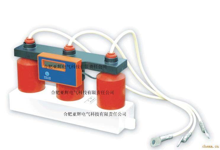 电池TBP过电压动作计数器为无源设计,无须外接电源,本体附带电池可以使用3年,电量不足时请立即与我单位联系供应。电池位于数据显示盒内,打开后盖即可更换。统计软件设计采用了实时省电模式,需要观察数据时,请轻触一次读数按键,将依次显示AB、AC、AD、BC、BD、CD各相之间的过压累计次数,依序出现完毕后,液晶显示将自动关闭。 清除,需要清除数据,长按按键一秒,当出现ERASE时,一秒将出现一个点,三个点都出现后,则说明清除数据已完成。在此过程中,如需要放弃清除,在第三个点出现之前松开按键,清零将被取消