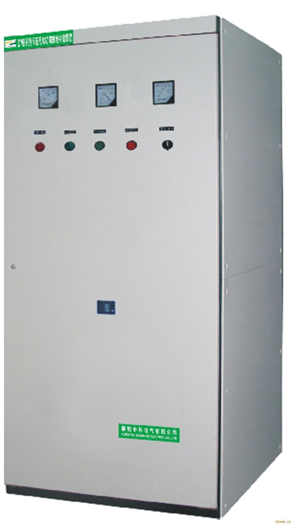 适用于三相交流380V,额定功率5.5 kW以上的绕线式或鼠笼式交流电动机的无功功率就地补偿,有效提高功率因数,降低线路损耗,节省能源,改善电网质量。 性能特点 采用自愈式并联电容器,可靠性高、寿命长、运行温升低; 功率因数可提高到0.95左右,降低无功损耗,运行节电率10左右%; 改善电网质量,提高变压器负载率和电器设备的效率; 具有短路保护功能,出现内部故障时自动切断电源,确保设备安全运行; 具有自放电特性,装置脱离电网后,残留电压在3分钟内降至50V以下; 与主机并联运行,同步投切,无操作部件,使用
