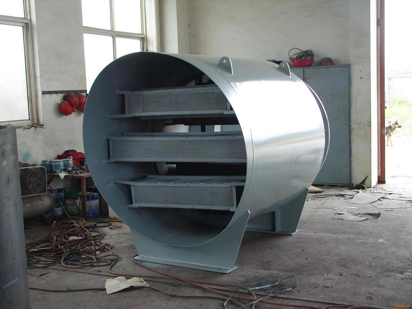 (TD型) 各工矿企业使用着大量01.3MPa及以下的低压锅炉,在电站热力系统中也有着大量的低压热力装置,如背压式汽轮机、除氧器、辅助气器、汽轮油泵、锅炉连续排污、定期排污膨胀器等。上述设备的排汽管要求配置结构轻便、安装更方便的消音器。本厂针对不同的消声对象,设计有专用的除氧器系列、背压式汽轮几系列及其它系列产品,可满足用户的要求。 上述排汽消音器其消声效果能满足《工业企业噪声卫生标准》的要求,已在国内获得了广泛的应用。 用于N3型汽轮机,20T/H低压锅炉过热器蒸汽排放。锅炉压力13at,蒸发两20T/