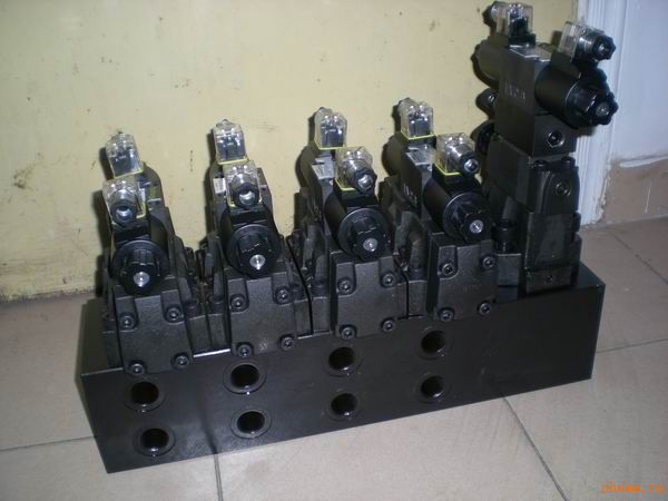 砖机液压阀组液压系统图片